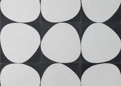 Stone - charcoal/pure white