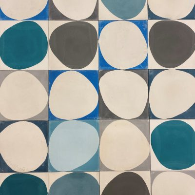 Stone patchwork in blues and greys